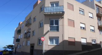Luminoso Piso en VENTA en calle Cataluña 3, Carretería, MOYA