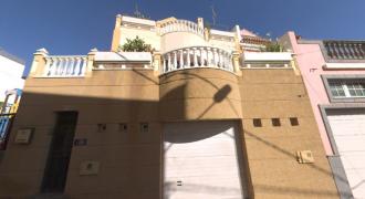 Precioso Chalet Adosado en VENTA en San Lorenzo